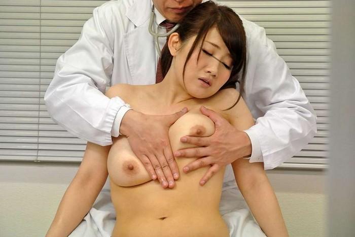 乳がん子宮がん検診にきた巨乳若妻を触診と称して乳揉み放題&生ハメし放題なレディスクリニックがあるという噂は